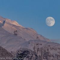 Peak 4900 and Moon